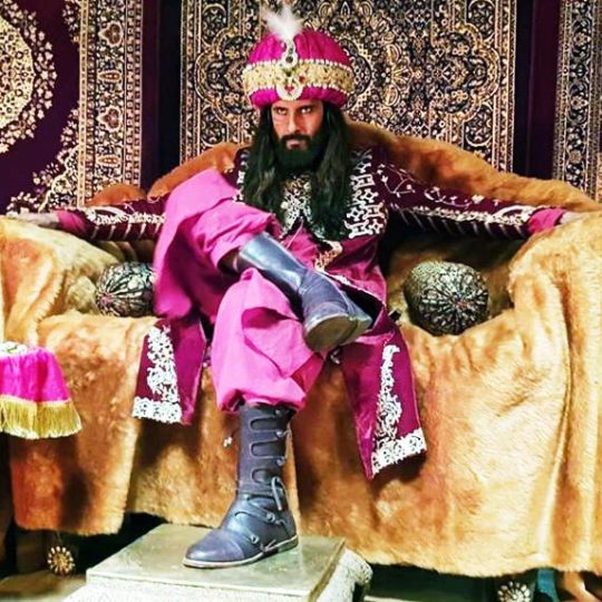 Ravi Dubey as Alauddin Khilji in Sabse Smart Kaun. Pic 1. (Image courtesy – Instagram)