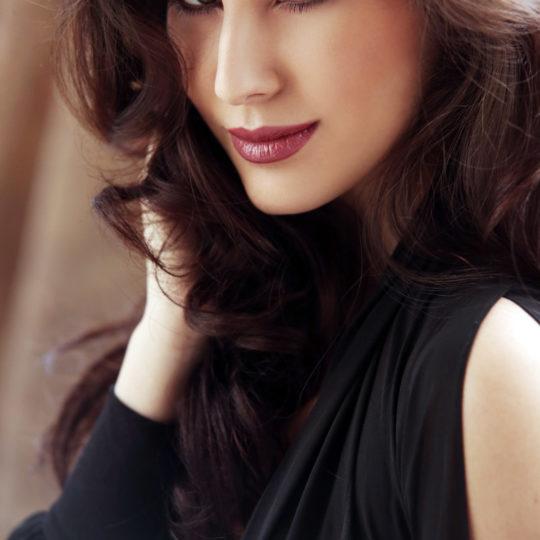 Elnaaz Norouzi. Pic 7.