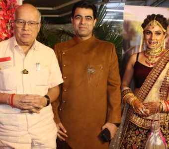 Piya Albela actress Ritu Chauhan and husband Ankur Malhotra seek blessings from friends and family on their grand reception
