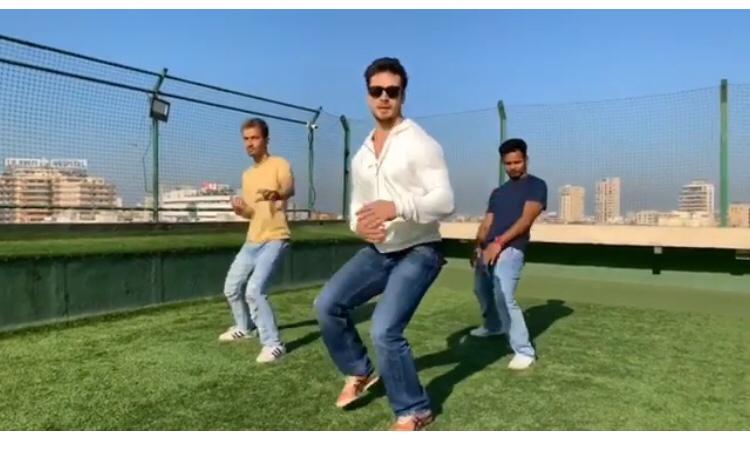 Dilbar dance