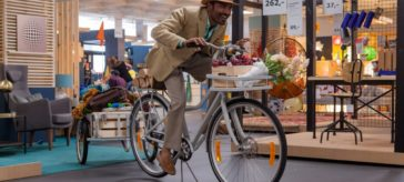 Hollywood critics over The Extraordinary Journey of The Fakir