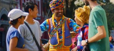 Dhanush as the con artist in Maila Maila