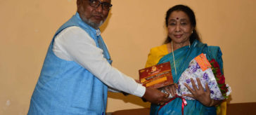 Asha Bhosle To Receive the First Swami Ratna Award