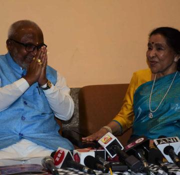 Music Icon Asha Bhosle to receive Swami Ratna Award
