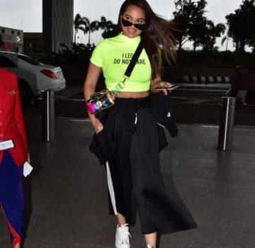 Sonakshi Sinha at Airport