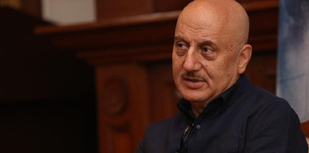 Rishi Kapoor to release Anupam Kher's autobiography in New York
