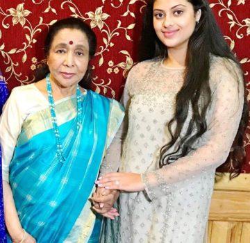 Asha Bhosle & Rajita Kulkarni