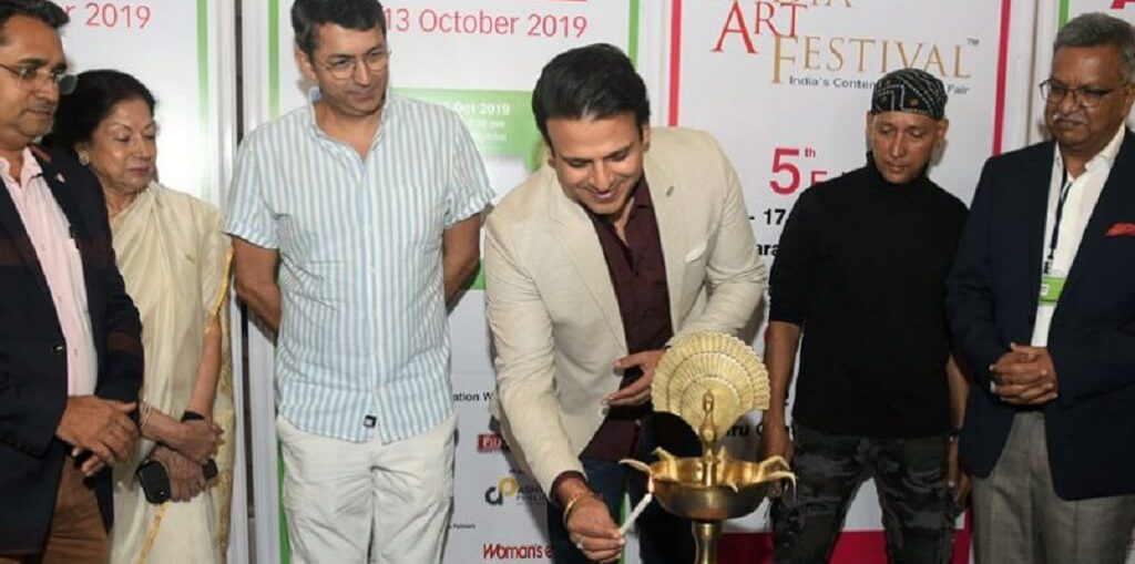 Vivek Oberoi inaugurate the prestigious Mumbai Art Fair