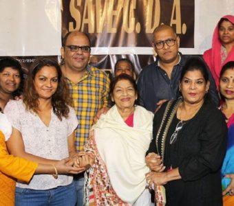 Saroj Khan, brand ambassador – Cine Dancers Association, addresses media on Ganesh Acharya's formation of a parallel dance association