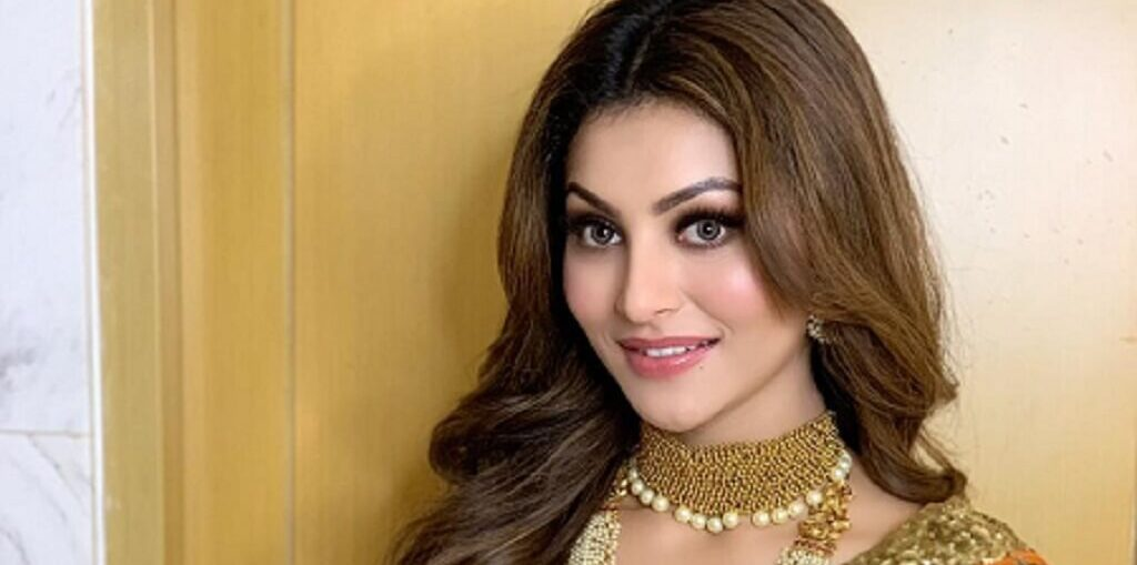 Urvashi Rautela pays tribute to soldiers martyred in Galwan valley