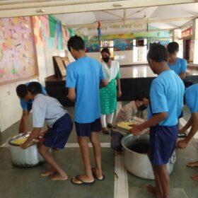 Sadaa Sayed and PETA India Donate Vegan Biryani
