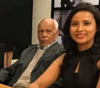 Bollywood Actor Urmila Mahanta Gifted An Unique Gift on her father's 75th Birthday