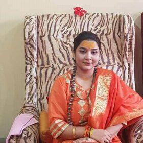 Mahamandaleshwar Devi Maa Shivangi Nand Giri (9)
