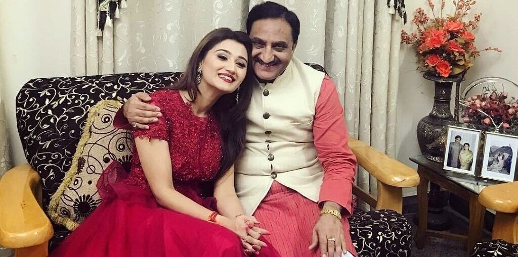 Daughter Arushi Nishank pens a soul stirring poem for her father