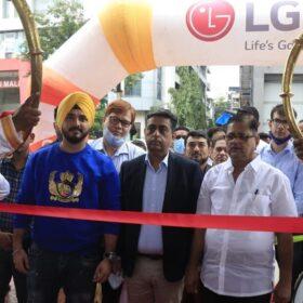 LG launches 38th Brand Shop in Mumbai Thane (4)