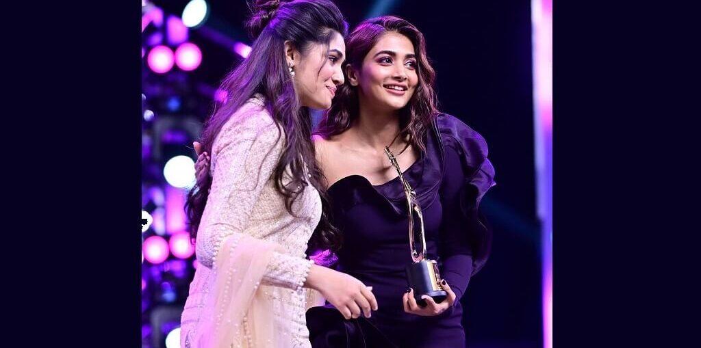 Pooja Hegde bags 'Best Actress' award at SIIMA