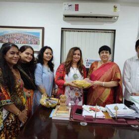 WEE – Women Entrepreneurs Enclave team received awards from Dr. Bharti Lavhekar, MLA Versova Vidhan Sabha (11)