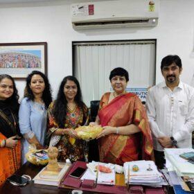 WEE – Women Entrepreneurs Enclave team received awards from Dr. Bharti Lavhekar, MLA Versova Vidhan Sabha (13)