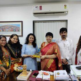 WEE – Women Entrepreneurs Enclave team received awards from Dr. Bharti Lavhekar, MLA Versova Vidhan Sabha (5)